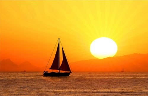 Events in Barcelona - Boat Party - Champagne Sunset